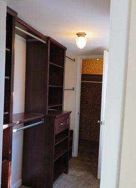 524 BR 1 Closet